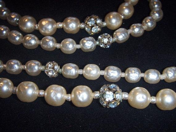 MIRIAM HASKELL Collier (20) multiline pearl, signe