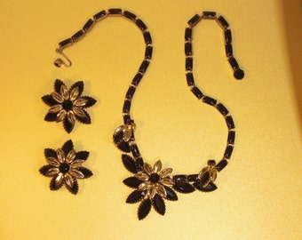 Necklace (128) & Flower Earrings, signed WEISS, the 1950's