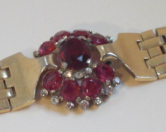 Bracelet (118), signed TRIFARI with Crown, the 1940s