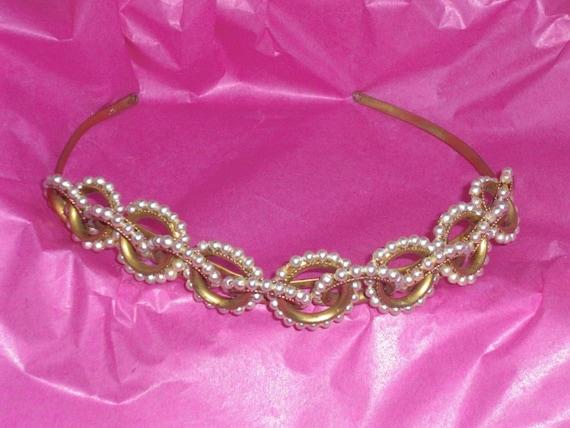 Diadem (106)-Headlock, decoration of entwined pear