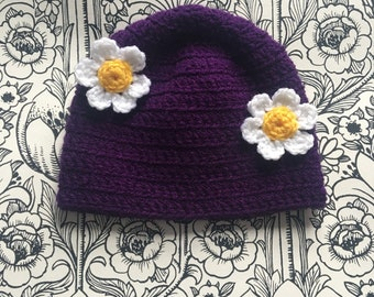 b063533943e Gorgeous purple hat with cute little daisies. Hand made in soft wool