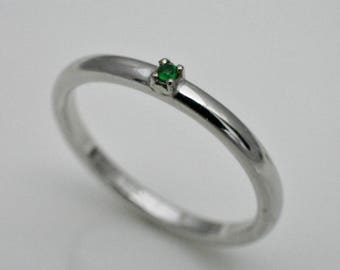 Engagement ring with emerald, 925 silver
