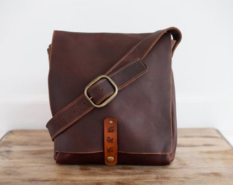 Medium Messenger with Snap Closure - Brown Kodiak Leather