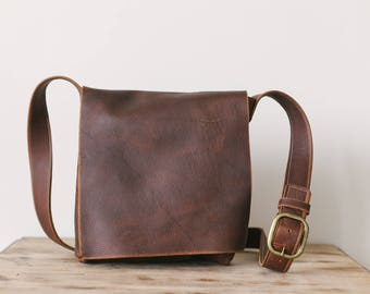 Medium Classic Messenger - Brown Kodiak Leather