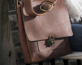 Medium Messenger with Lock Clasp - Caramel Kodiak Leather