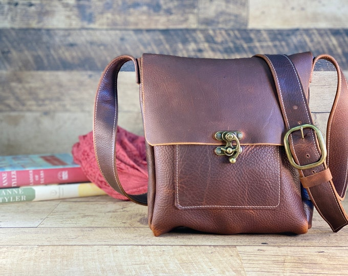 Featured listing image: Medium Messenger with Swing Clasp | Brown Kodiak Leather