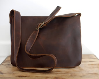 Classic Messenger - Dark Brown Kodiak Leather