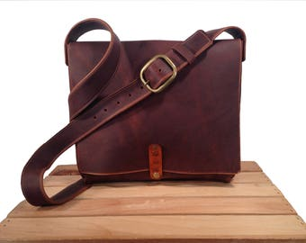 Large 12 Inch Wide Messenger - Brown Kodiak Leather