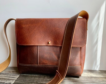 Midsize Messenger - Brown Kodiak Leather