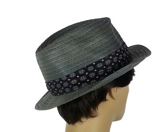 e9b7c4f98485f Vintage 80s Mens Fedora Hat   breathable lightweight summer material with  retro patterned headband mod hippie funk short brim green gray