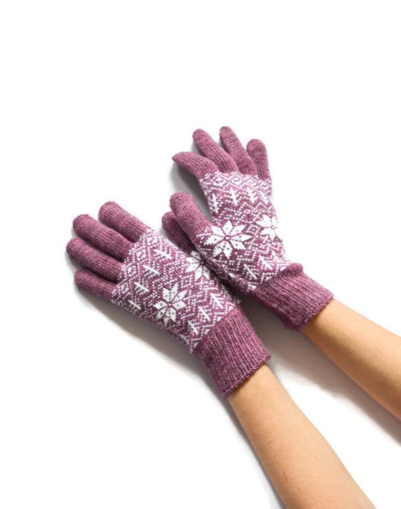 Full finger gloves knit Fair isle patterned gloves Winter knit violet white
