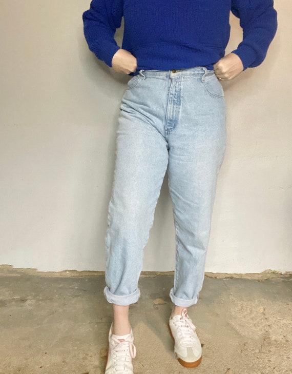 Vintage High Rise Mom Jeans - 90s Mom Jeans Light