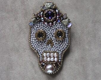 Sugar skull pin Catacomb Saint skull brooch Memento mori jewelry Hand  embroidered fashion brooch Beadwork skull brooch Swarovski brooch da0d3f799641
