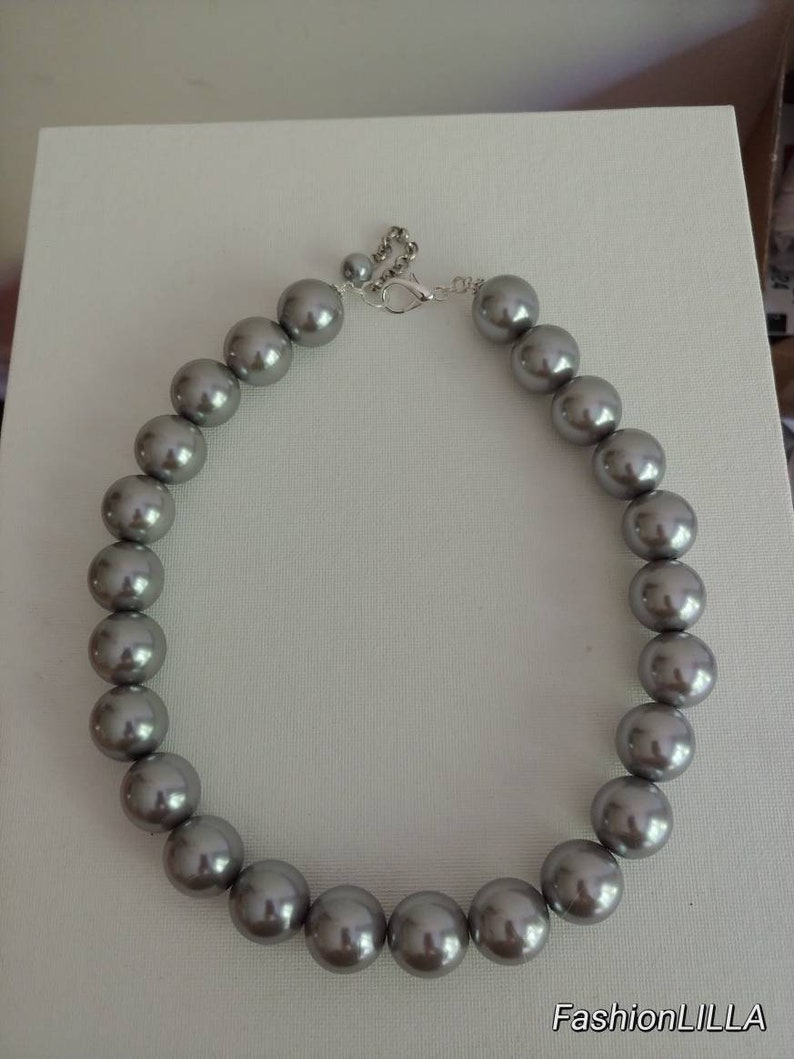 large pearl bridal necklace boho statement necklace,20 inch necklace,extra large pearl necklace,bridesmaid necklace Chunky pearl necklace