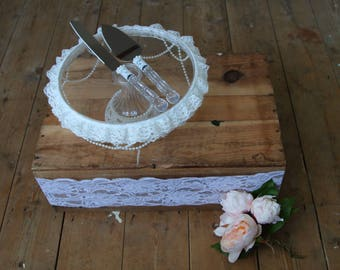 Lace and pearl cake stand and knife set.