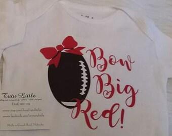 NE Fußball - großen roten Schleife! -Body - T-shirt---mehrere Farben zur  Auswahl! -NB zu Erwachsenen Größen 27c69a1781