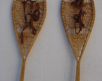 Vintage Wooden Snowshoes 33x10 in very good condition!!! #51