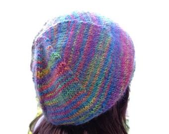 159d09ff9539 Bonnet slouch arc en ciel, bonnet arc en ciel, bonnet rasta, béret arc en  ciel, bonnet rasta slouch, bonnet tricoté main, bonnet très doux.