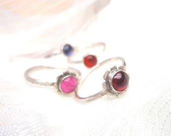 Small flower ring, silver and Garnet ring, ring fine gemstone, amber ring and silver, tourmaline and silver ring, ring girl