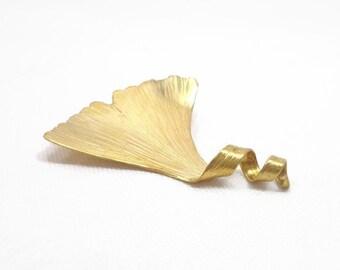Ginkgo leaf brooch, Golden leaf brooch, vintage golden brooch, nature brooch, leaf brooch, elvish brooch, art nouveau golden brooch.