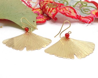 Ginkgo leaf golden earrings, brass and cornaline earrings, big leaf pendants, nature trend jewels, handcraft ginkgo jewel.
