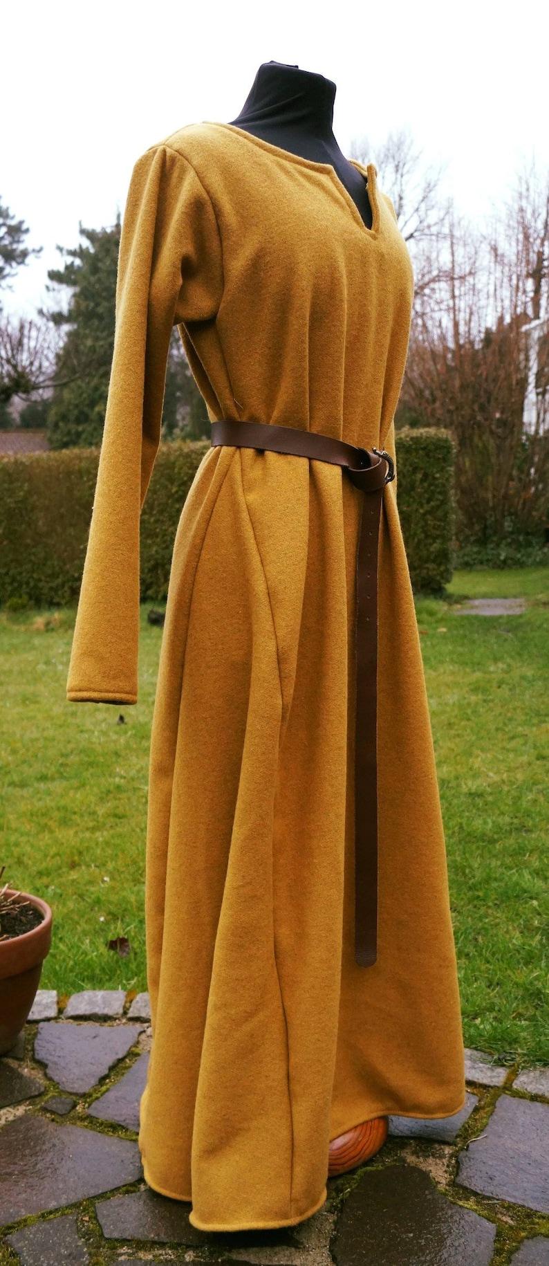 Wikinger Kleid Wolle Winter Mittelalter ocker gelb ...