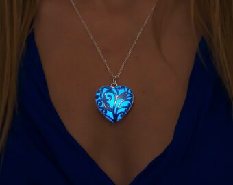 Blue Glow Necklace - Blue Jewelry - Blue Necklace - Gift for Mom - Gift Mom - Girlfriend Gift - Something Blue - Jewelry - Necklace - Heart