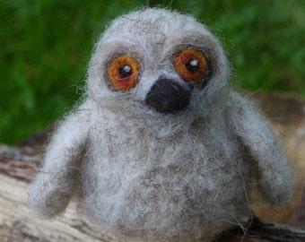 Needle felted baby owl. Needlefelted animal. felt animal, felt baby animal. Soft sculpture owl. Little baby owl. felt owl, woodland animal.