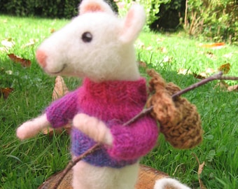 Needle felted mouse, custom order. Needlefelted animal. Soft sculpture mouse. felt mouse. Mouse adventure, with knapsack knitted sweater.