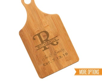 Monogram engraved cutting board, Bamboo personalized board, New home cutting board, Wedding cutting board, Engraved bamboo board