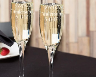 Personalized Mr. & Mrs. Champagne flutes Bride and Groom Champagne Flutes, Engraved Champagne Flutes, Wedding Flutes/Set of 2 Engraved,