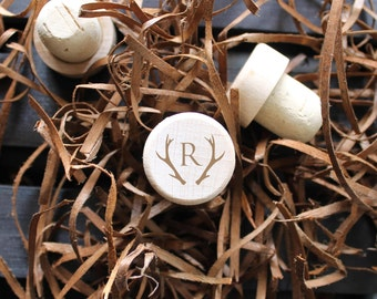 Personalized wedding favors, Engraved wine corks, Personalized wine stopper, Monogram Wine Stopper/ Engraved, cork wine stopper, Wedding