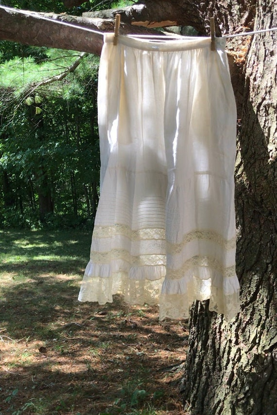 Vintage Prairie Skirt with Lace