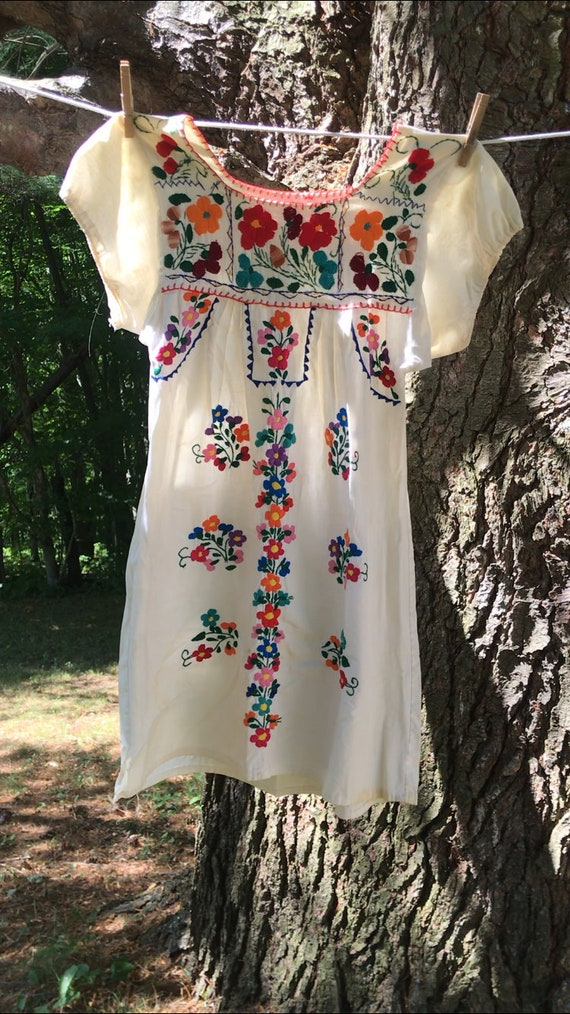 Vintage Mexican Puebla dress
