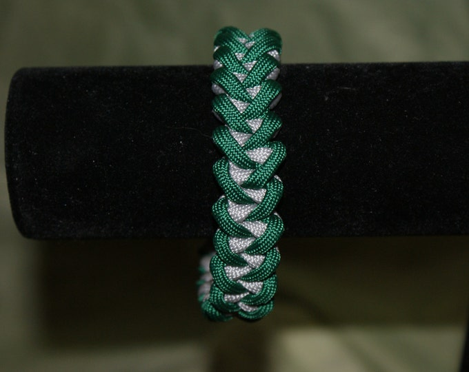 Green and Silver/Grey Shark's Jaw Paracord Bracelet, Philadelphia Eagles, Harry Potter House Slytherin