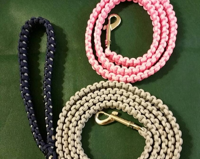 Paracord Dog Leash, Multiple Color Options, Availble In Various Lengths