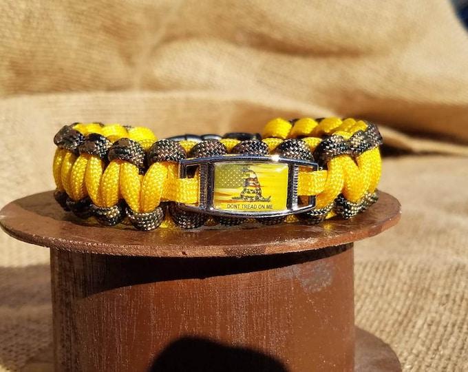 American Flag Don't Tread On Me Paracord Charm Bracelet, USA, United States, Yellow Flag, Country Flag Bracelet