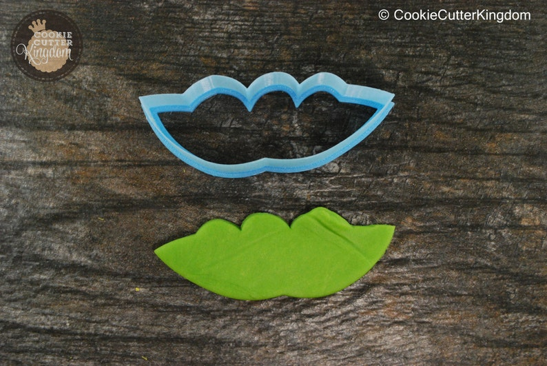 Mini and Standard Sizes 3D Printed Peas in a Pod Cookie Cutter