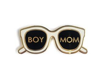 Boy Mom Enamel Pin/ Boy Mom Gift/ Baby Shower Gift Boy/ Boyl Mama Pin/ Gift for Mom to Be/ Baby Shower Gift under 20/ Newborn Boy Gift