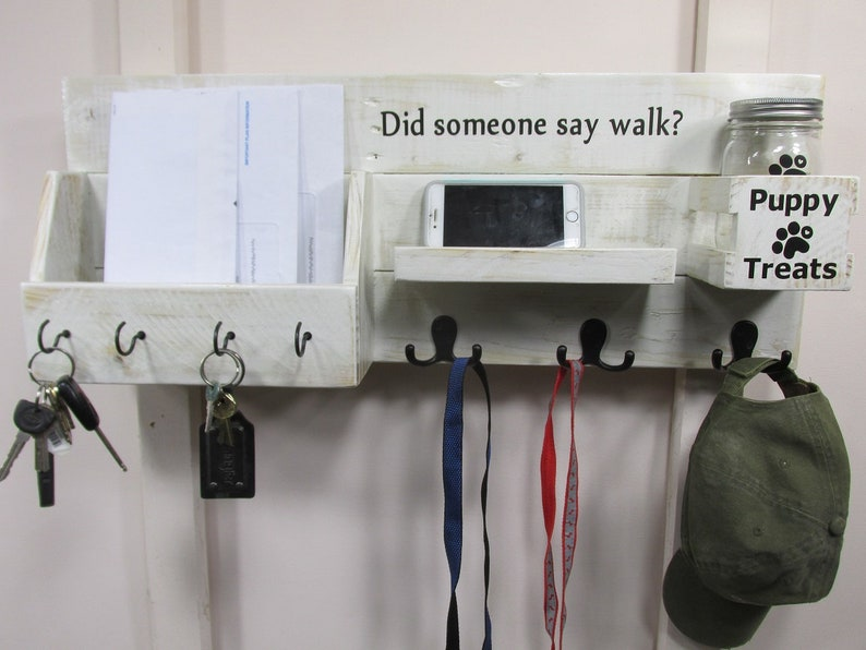Mail / Leash Holder Entryway Organizer with Key Hooks Wall image 0