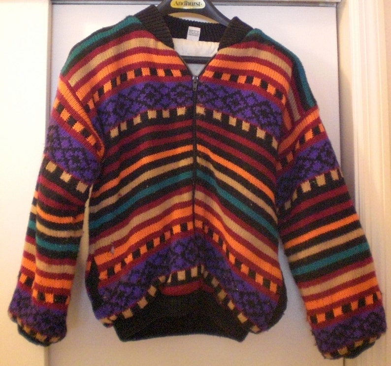 Zippered /& Needs a very MINOR Repair 10-12 Knit Outer Heavy Lined Jacket Rainbow of Colors Nice. Woman/'s Size M