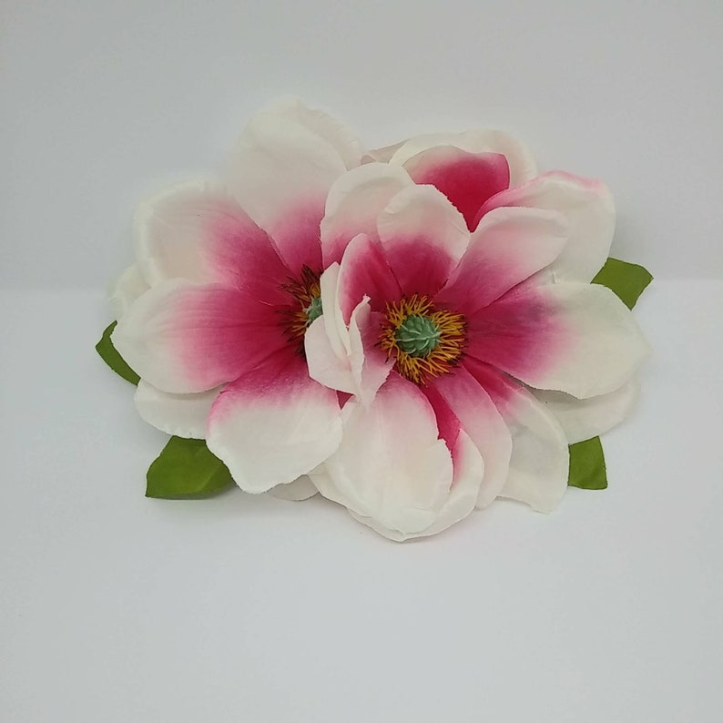 1940s Hairstyles- History of Women's Hairstyles Stunning double large white and pink magnolia hair flower $15.00 AT vintagedancer.com