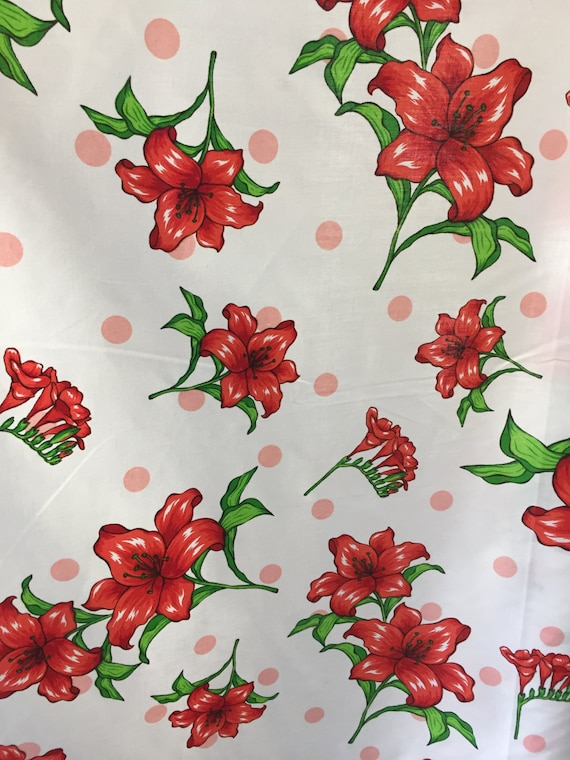 POLY//COTTON ALLOVER FLORAL PRINT-BLACK DRESS FABRIC-FREE P/&P