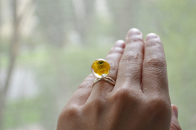 Ring with dry flower Gift to the bride Wedding gift Real flower ring Dry petal ring Pressed flower ring Summer flower jewelry