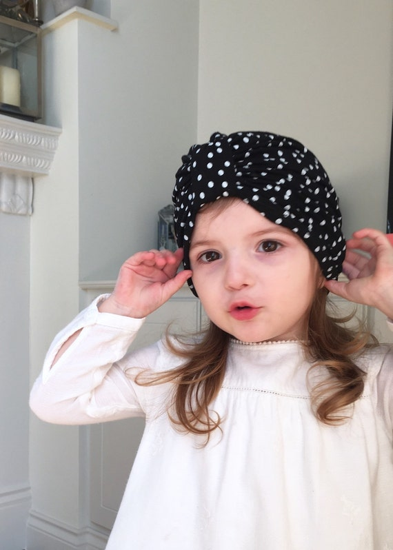 chapeau turban pour b b noir et blanc chapeau de turban etsy. Black Bedroom Furniture Sets. Home Design Ideas