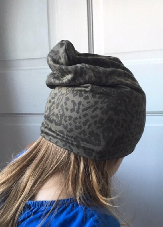 Bébé   bonnet enfant en bas âge   kaki camouflage moderne   Etsy 960489f6cc5