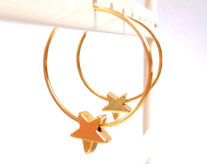 Hoops, star rings or fine stacking