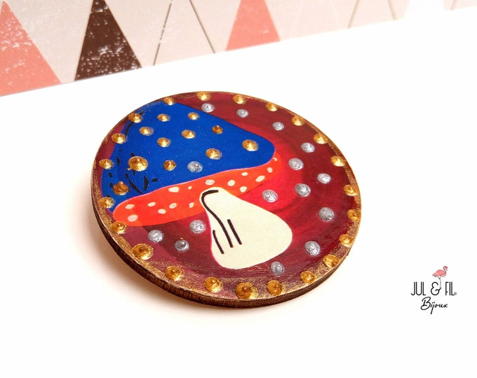 Brooch large wood mushroom with gold and silver dots