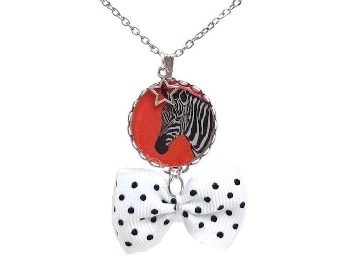 Collar chain cabochon zebra knot peas
