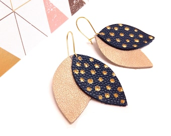 Earrings leather shuttles Navy and gold, gold dots